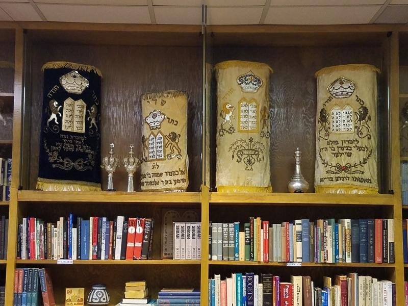Chapel-Library-28